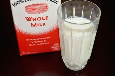 「定番のあんぱん」「甘さと辛さが合うカレー」やっぱりこれでしょ! 「牛乳」にいちばん合う食べもの