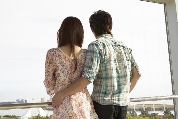 恋愛に鈍感な人は要チェック! 気になる男子にこっそり示す、女子の脈ありサイン4つ