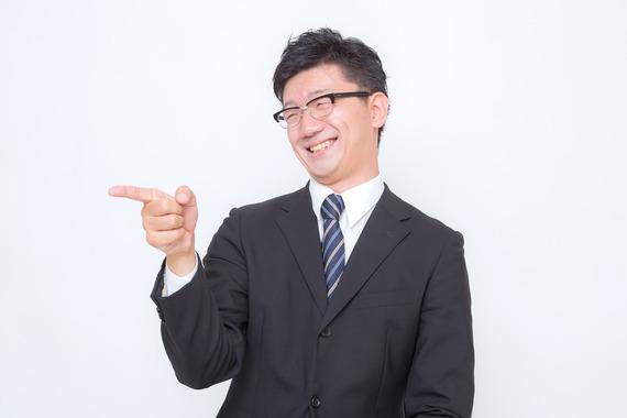 もう我慢できない! 「笑ってはいけない」のに爆笑してしまった瞬間「上司の説教がカミカミ」「お葬式でお坊さんが……」