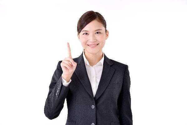 「ゆっくり話す」「笑顔を忘れない」社会人が自分のイメージをよくするためにしていること5選