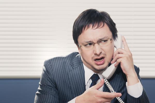 「◯◯はトイレです」「そうっすね」後輩の電話応対を見て「これはマズい……」とドン引きした経験