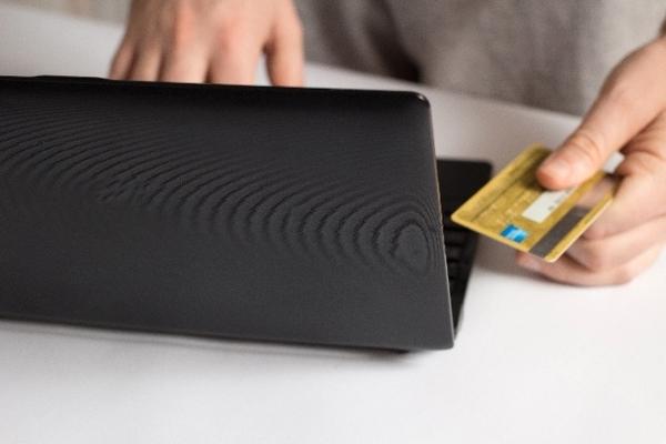 旅のプロライターが教える!【旅の裏ワザその1】クレジットカードは海外旅行の必需品