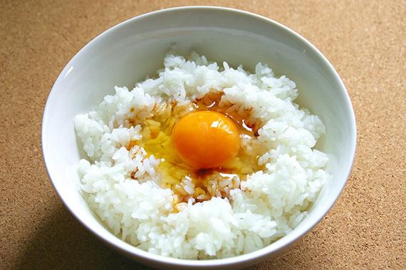 金欠時におすすめ! 卵かけごはんにちょい足しすると激ウマな食材・調味料