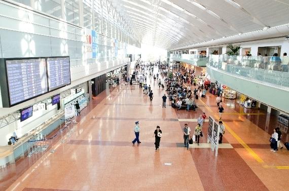 関東在住の人に聞いた。海外旅行で使う空港は成田? それとも羽田? 僅差で勝利したのは……