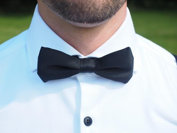 結婚式での男性服装のエチケットとさりげない個性