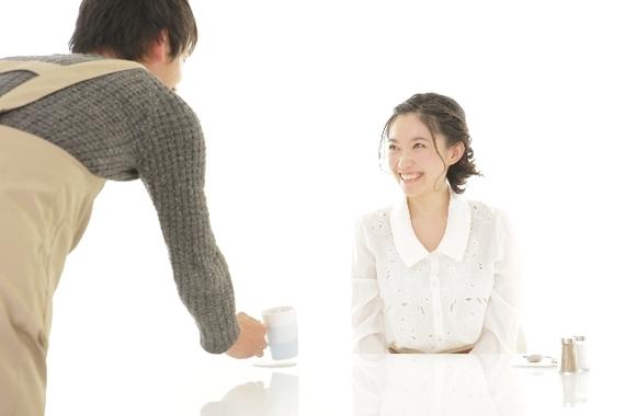 『○○になります』『1万円からお預かりします』どうしても気になっちゃう「ヘンな接客用語」6選