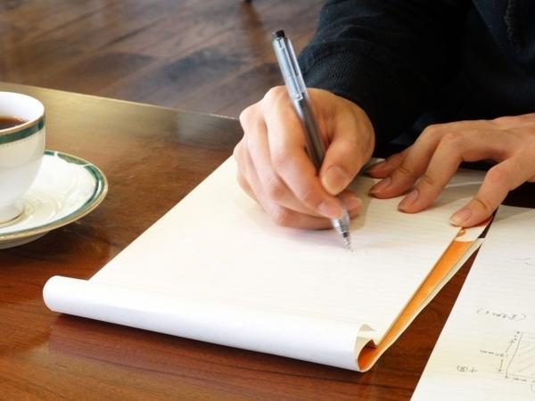 就活に役立つ小論文の書き方ガイド! 作成のコツと流れを理解しよう