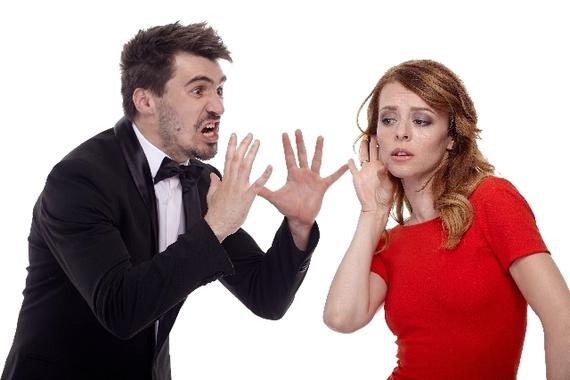 大人顔負けのドロドロ劇!? 大学生が実際に体験したサークル内恋愛のトラブル集