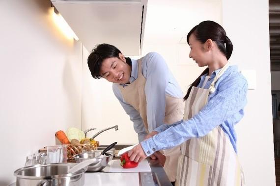 男子大学生に聞いた、「料理が全くできない女性」と付き合える? 男子のホンネは……