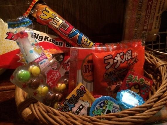 大学生に聞いた、好きな駄菓子ランキング! 3位ベビースターラーメン、2位と1位は?