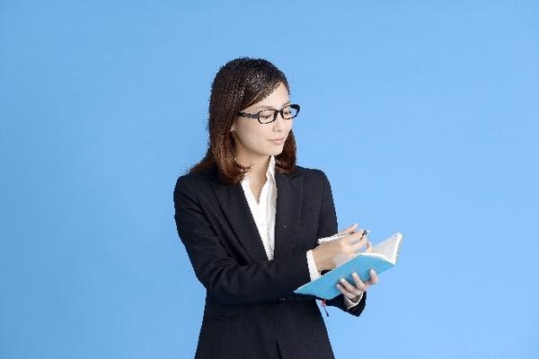 サポートされたい! 仕事で秘書にしたいアニメ・マンガキャラといえば? 「羽川翼」「ニコ・ロビン」