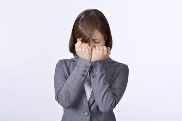 面接中に泣いてしまったことがある就活経験者は約◯割! 「緊張して」「圧迫面接で」
