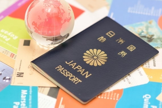 海外旅行はツアーを利用する? 自分で計画する? いまどき大学生に人気なのはどっち?