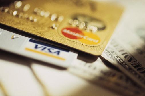 現金VSクレジットカードVS電子マネー。どれが一番お得? 現金→「使いすぎない」クレジット→「ポイントでお得」