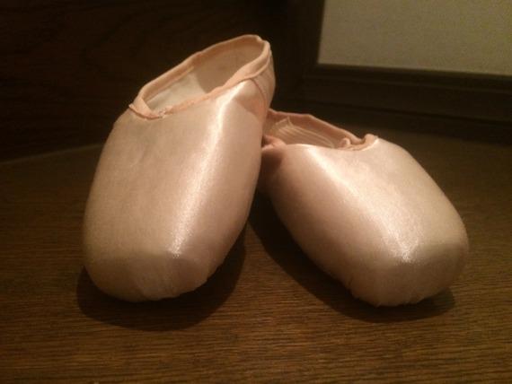 なんで足が痛くなるのに履くの? バレエ経験者が教える、トゥシューズの秘密【学生記者】