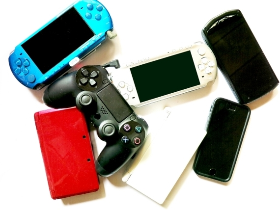 親が子どもに「ゲーム禁止」するのってあり? なし? 大学生に聞いてみた!