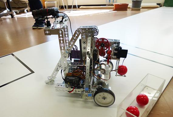 世界の舞台の感触は? 自律型ロボットのコンテストで優勝した大学生にインタビュー!