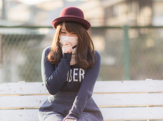 すっぴん通学のとき、とりあえずマスクをつける女子大生は◯割!
