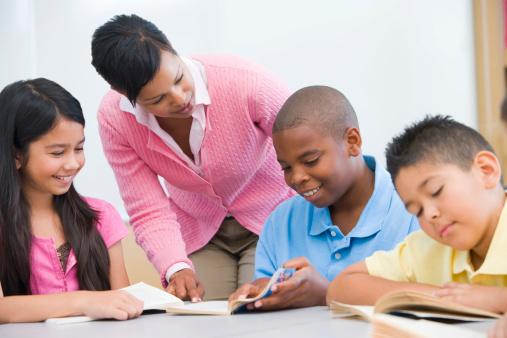 塾講師バイトで悩む大学生必見! 生徒の成績を上げる簡単な方法3つ【学生記者】