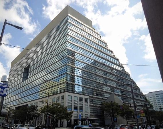 福岡の旅のおともに! 近畿大学建築科の学生が案内する、天神駅周辺の名建築物めぐり4つ【Part1】