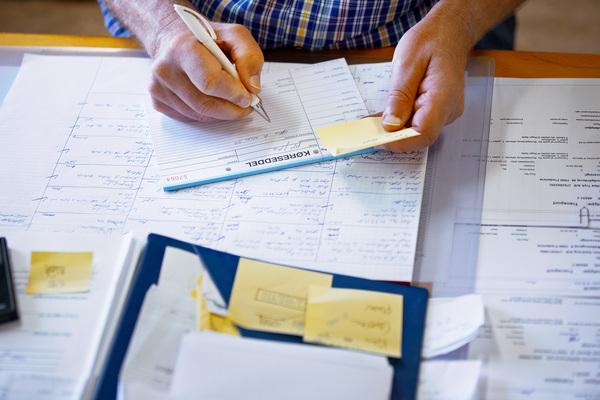 業界研究のやり方とは? 内定につながる5つのステップとおすすめの情報収集方法