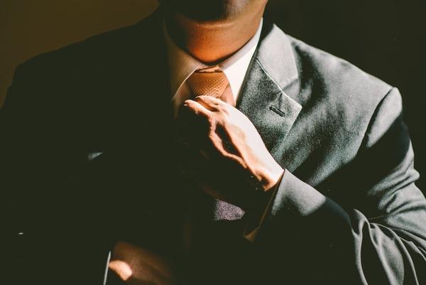 電話対応、メール、挨拶……ビジネスマナーの基本を知ろう