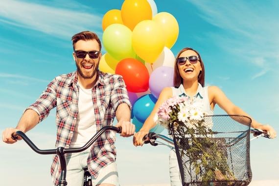 意外と男のほうが寂しがりや?! 恋人と毎日でも会いたい女子は約1割、男子は……