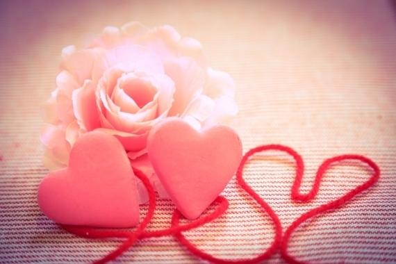 「好き」「愛してる」女子大生が彼氏に言われてうれしいのはどっち? 約7割が……