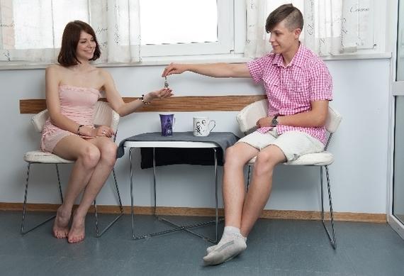 汚部屋が見せられないから!? おうちデートは彼氏の部屋がいい女子大生は約◯割!