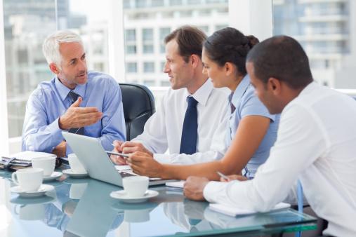 イマドキの若者はコミュニケーション重視? 職場の上司と「仲良くなりたい」と思う大学生は7割!