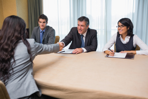 ぜひ我が社に! 社会人が教える、自分が人事だったら内定を出したい就活生の特徴7 つ