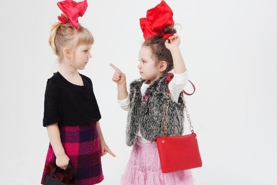 逃げ恥ガッキーVS校閲ガールさとみ、女子人気が高いのはどっち? 女子大生の6割は……