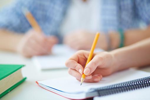 就職に有利な資格とは? 大学生が取っておくべき資格7選を解説!