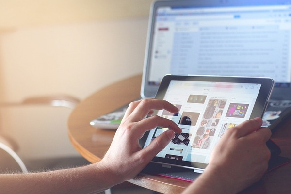 イマドキは新聞・テレビよりネット? 社会人が情報収集している手段ランキング!