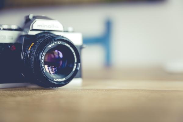履歴書・ESに貼る証明写真の写りをよくするポイント8選! 第一印象をUPさせるには?