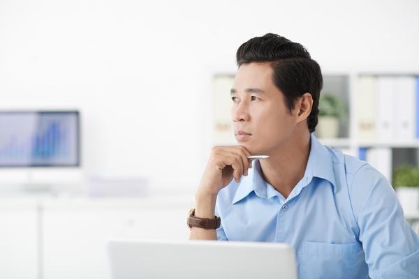 「取り急ぎ」の正しい意味とは? ビジネスメールで使うときの注意点をおさえよう【例文付き】