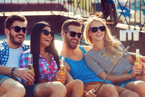 恋人or友達、旅行に行くなら楽しいのはどっち? 大学生の6割が選んだのは……