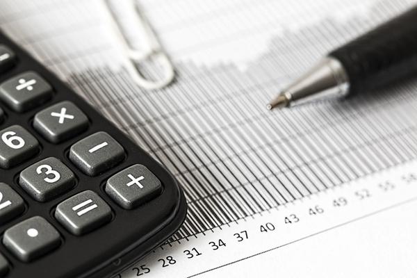 気になる税理士の給与・年収は?  気になる相場と仕事内容