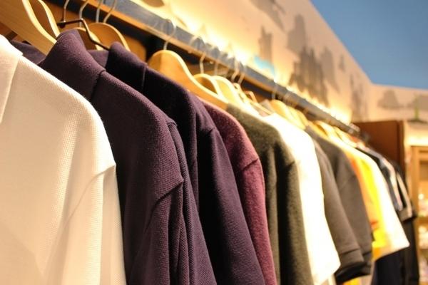 私服選考のために服は買い足したほうがいい? 就活経験者の意見は……