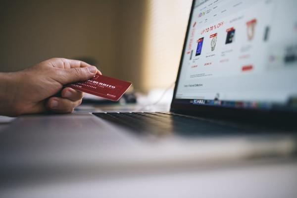 新社会人のクレジットカード所持数、最多は1枚のみ「複数枚持つのは不安」【新社会人白書2017】