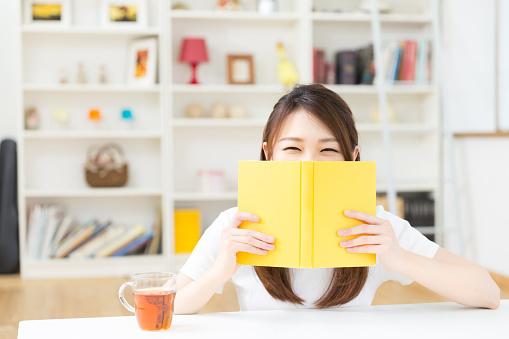 意外と読書家多い? 今年の新社会人の67.4%が「読書は好き」と回答【新社会人白書2017】
