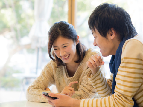 今年の新社会人、悩みを相談できる相手は「2~3人」が最多、相談相手は主に「友人」【新社会人白書2017】