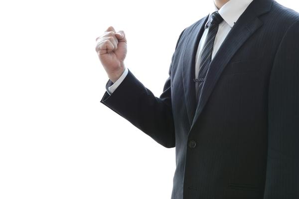 【入社式のスーツ&シャツの色ランキング】一番人気はネイビー×ホワイトシャツ