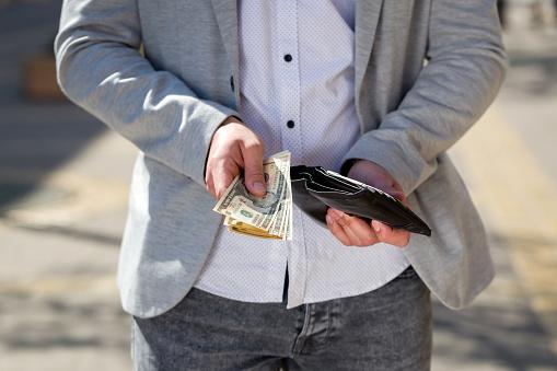 5000円がボーダーライン? 先輩社会人に聞いた、新人におごれる額はいくらまで?