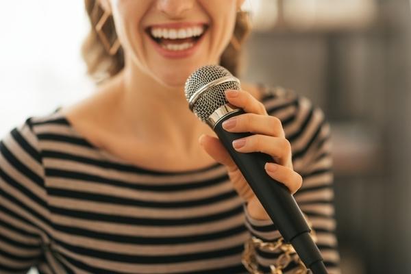 これ歌えば間違いなし! 会社のカラオケで歌うと盛りあがる曲10選