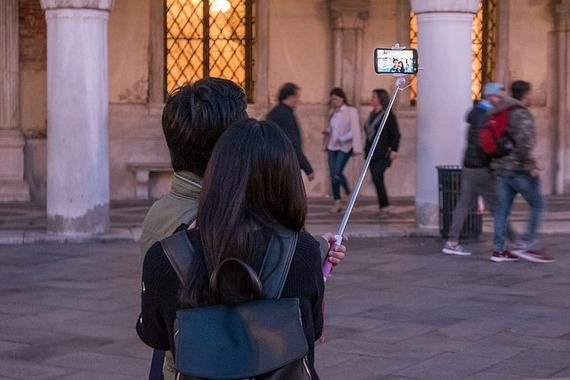 SNSで自撮り写真を投稿することに抵抗がある大学生8割以上!