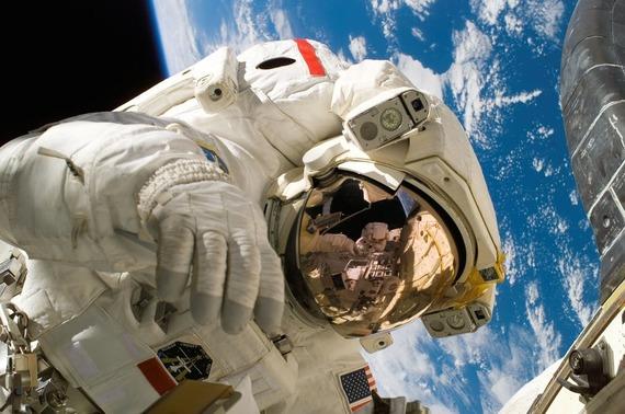 宇宙飛行士になるには? 必要な条件と求められる資質とは
