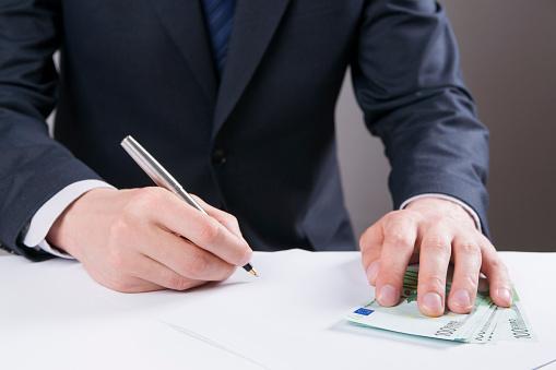 初任給の金額に満足している新社会人は54.6%! 「自分でお金を稼いだことに感動」との声【新社会人白書2017】