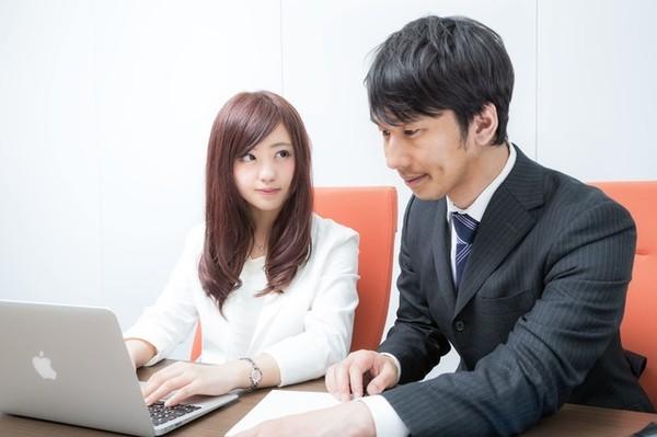 会社でお手本にしたい人がいる社会人は2割! お手本にしたい人の特徴とは