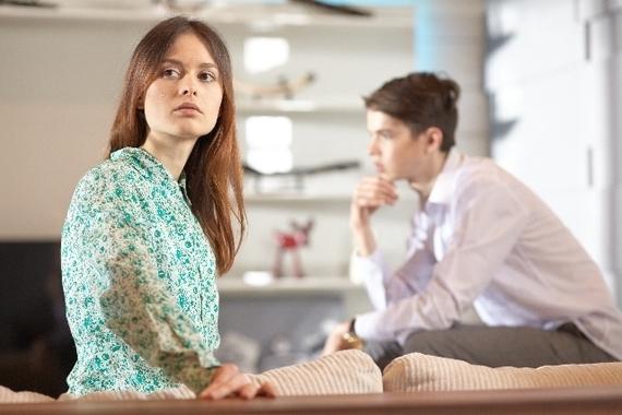 彼氏との別れ話「他に好きな人ができた」なら正直に言ってほしい? 女子大生の8割は